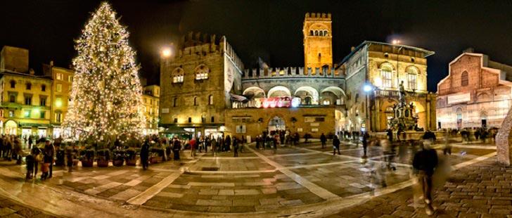 Рождественский рынок в Болонье