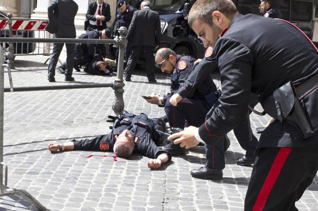 Ранены карабиньеры в Риме